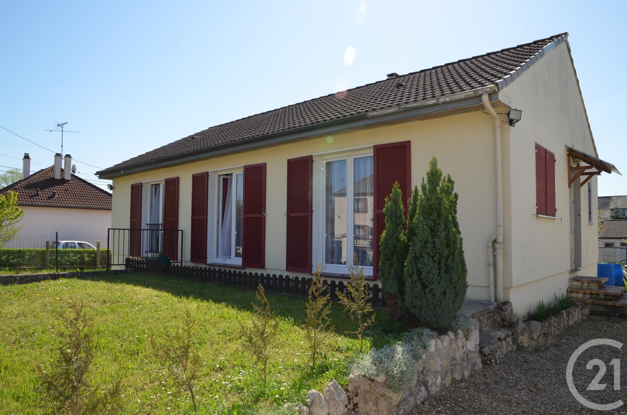 Maison à vendre - 5 pièces - 89 m2 - NEMOURS - 77 - ILE-DE-FRANCE